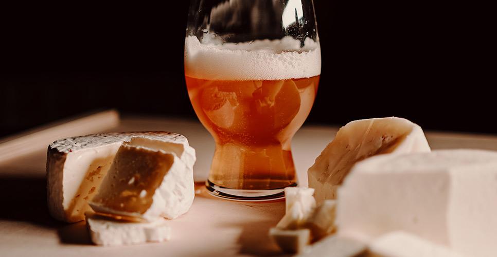 Maridatge formatge i cervesa